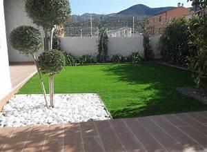 gazon synthetique pierres et arbres sur perpignan With decoration exterieur jardin zen pierre 0 decoration jardin avec des pierres pelouse en plaque