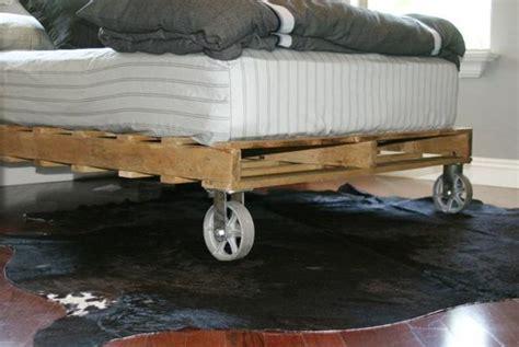 21 Ideen Fuer Palettenbett Im Schlafzimmerbett Aus Paletten by Europaletten Bett Bauen Preisg 252 Nstige Diy M 246 Bel Im