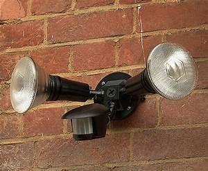 120w Twin Spotlight With PIR Black 3 LEFT