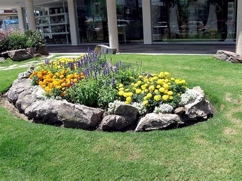 small flower gardens   beautify  outdoor space