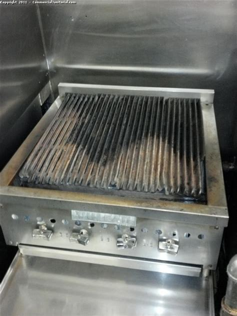 grill  cleaning image