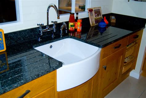 kitchens with belfast sinks what is a belfast sink diy kitchens advice 6601
