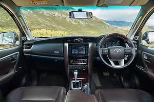 Toyota Fortuner 2 4 Gd