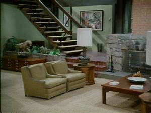 did the brady bunch house living room have a conversation With brady bunch house interior pictures
