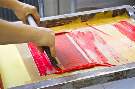 how to print on silk advantages of screenprinting