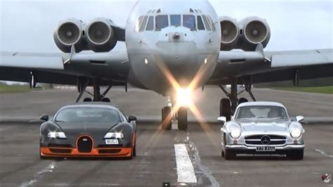 Bugati Vs Plane by Bugatti Veyron Wre And Mercedes Amg 300sl Cruising