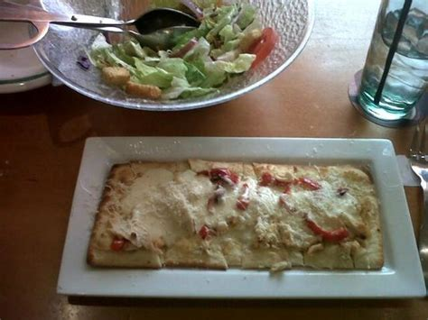 olive garden lawton ok salad and grilled chicken flatbread picture of olive