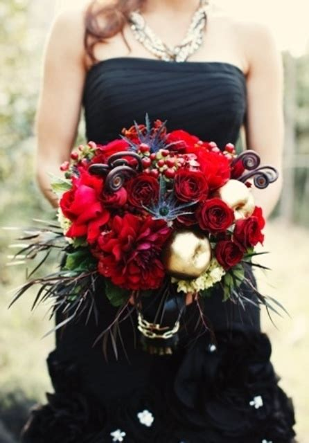 red  black wedding decor ideas weddingomania