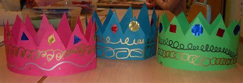 decorer une couronne epiphanie couronnes couronnes