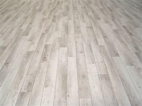 Pvc Boden 70 Qm by Pvc Bodenbelag Holz Optik Planken Wei 223 Grau 400 Cm Breite