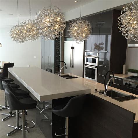 comptoir ilot cuisine comptoir de cuisine en granit avec pattes nuance design
