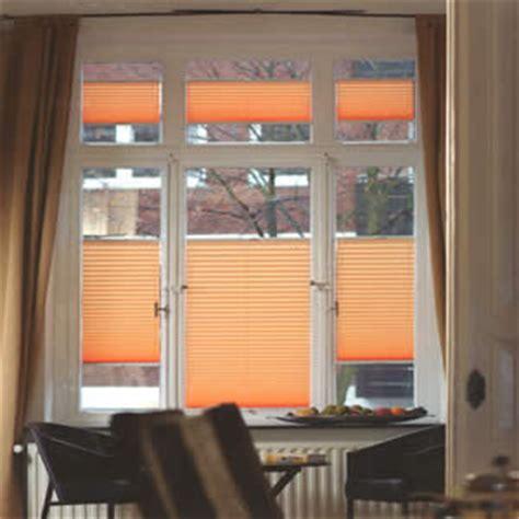 Dekorativ Und Praktisch Plissees Und Rollos Fuer Dachfenster by Plissee G 252 Nstig Und Faltstore Plissees Preiswert Bestellen