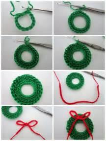 lacy crochet mini wreath free pattern