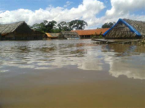 bolivia floods  dead  santa cruz flood warnings