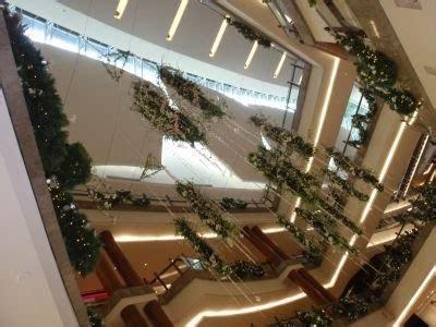 borneotip xmas decoration   gardens mall