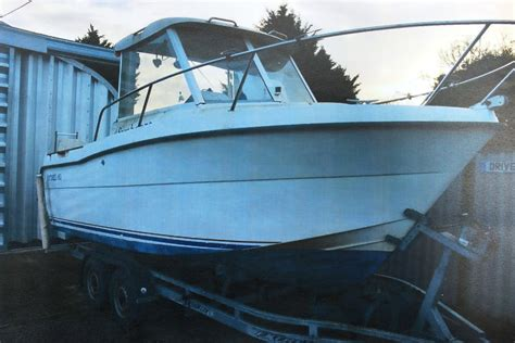 20 Foot Boat With Cabin by Benetau Antares 600 20 Foot Fishing Leisure Boat