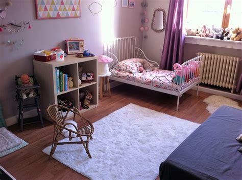 d馗o vintage chambre chambre d 39 agathe 2 ans version 2016 photo 1 14 vue de sa porte d 39 entrée tapis quot fourrure quot blanc