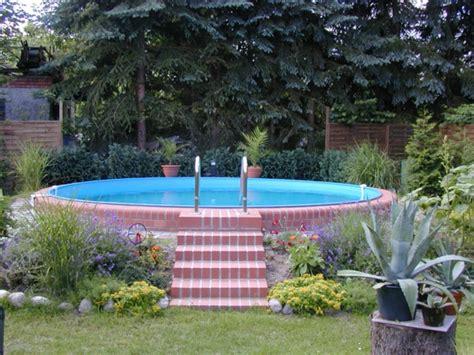 Poolgestaltung Mit Pflanzen by Effektvolle Poolgestaltung Im Garten Archzine Net