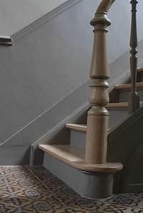 Couleur escalier sobre wwwd idbe cage d39escalier for Beautiful escalier peint 2 couleurs 1 couleur escalier sobre escaliers pinterest