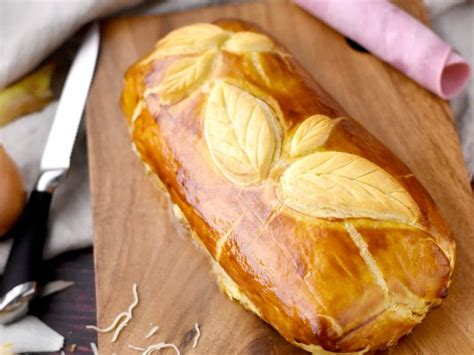 25 best ideas about jambon en croute on pate croute camembert pate feuillet 233 e and