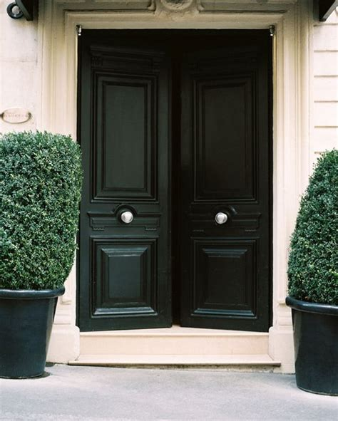 chic dark front doors     entry shelterness