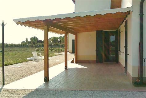 copertura tettoia in pvc tettoia in legno addossata con copertura in arelle e telo