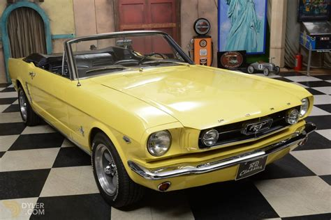 Classic 1965 Ford Mustang Cabriolet / Roadster For Sale