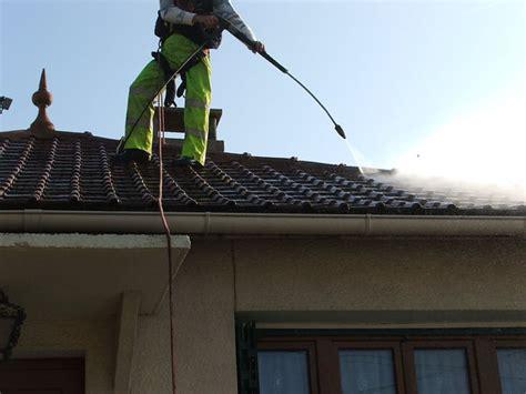 comment demousser toiture d 233 mousser une toiture wikilia fr