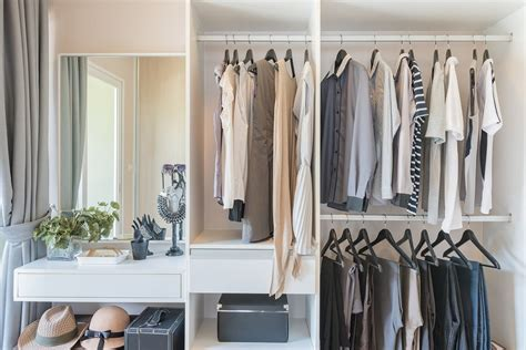 Simplify Closet by How To Simplify Your Closet In Smart And Chic Ways