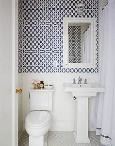 30 gorgeous wallpapered bathrooms for Wallpaper patterns for bathroom