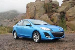 Review 2010 Mazda3 4-door Sport: This sweetheart trips the