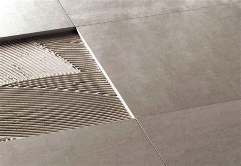 posare piastrelle pavimento come posare le piastrelle tutti i passaggi per il montaggio