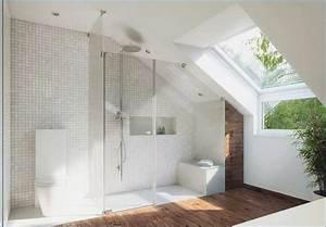 Dachschräge Einrichten Tipps : kleines bad mit dachschr ge gestalten ~ Indierocktalk.com Haus und Dekorationen