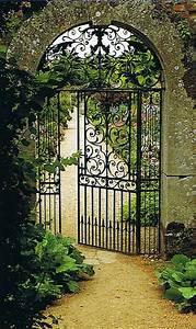 Garden order trouvais for Wrought iron garden gate