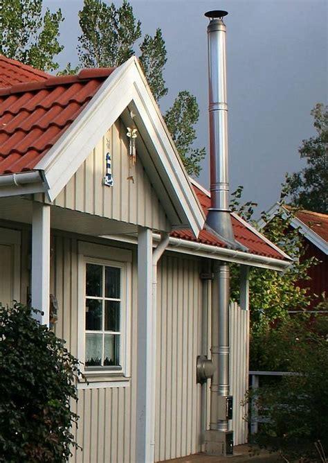 bungalow ferienhaus gartenhaus aus holz mit kamin und