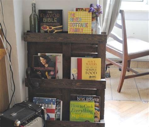 diy pallet bookshelf plans  instructions wooden