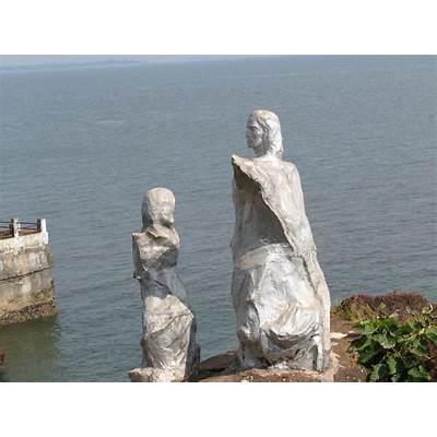 Dona Paula Beach Goa – A tragic love story ! Mitaroy