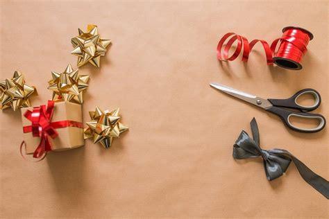 Pētījums: Nesmukāk iesaiņota dāvana saņēmējam rada lielāku ...