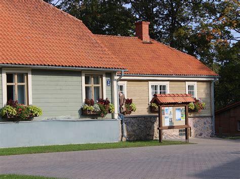 Ieskats vēsturē: Valmieras Vecās aptiekas ēkai šogad aprit ...
