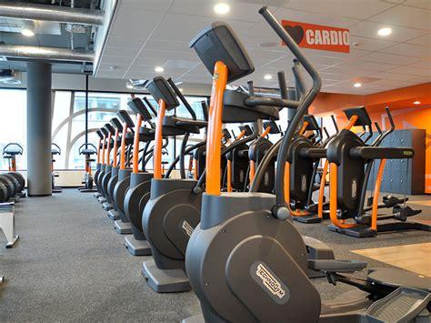 wat kost een personal trainer bij basic fit fitnessretro