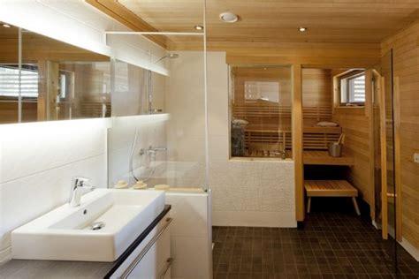 Badezimmer Mit Sauna badezimmer kleine sauna weisse fliesen dusche glas