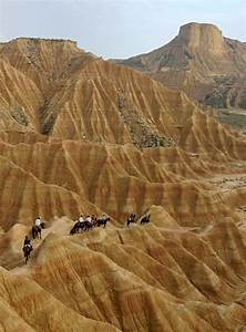 Desert Des Bardenas En 4x4 : chevauch e dans le d sert des bardenas en espagne desert chevaux baby baby bay pinterest ~ Maxctalentgroup.com Avis de Voitures