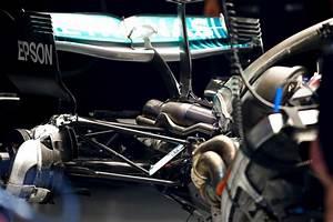Moteur F1 2018 : f1 mercedes retarde l 39 introduction de son nouveau moteur ~ Medecine-chirurgie-esthetiques.com Avis de Voitures