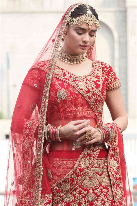 traditional red wedding lehenga