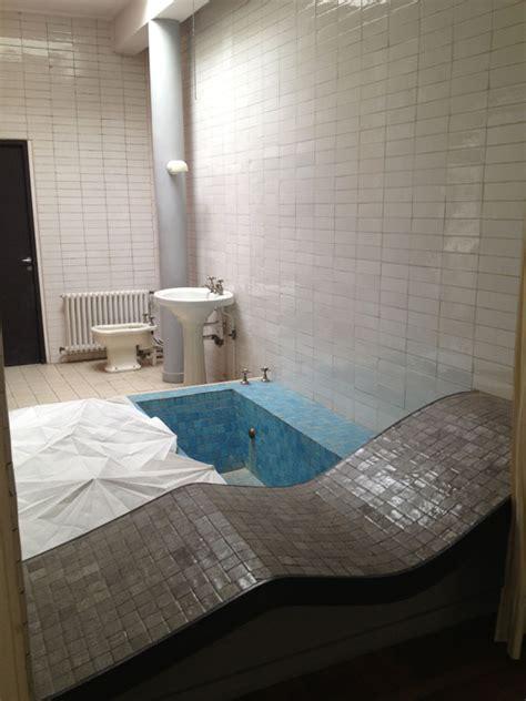 salle de bain villa savoye la villa savoye de le corbusier de fil en archive