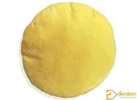 anibis canapé coussin peluche smiley emoji jaune tout doux bisou