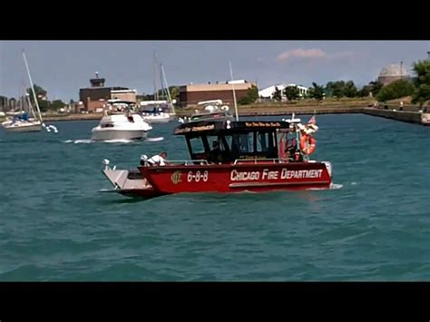 Fast Boat Chicago by Chicago Fire Department Fast Boat By Lake Assault Youtube