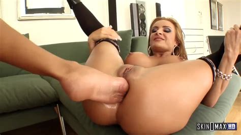 Lesbian MILFs No Holds Barred Fisting Squirting And