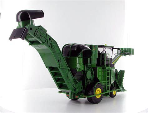 toys details  matter ertls sugar cane harvester