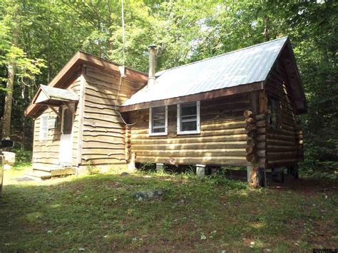 500 Sq Ft Log Cabin On 10 Acres In Bleecker Ny